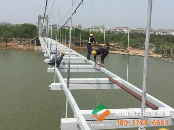 玻璃吊桥施工工程